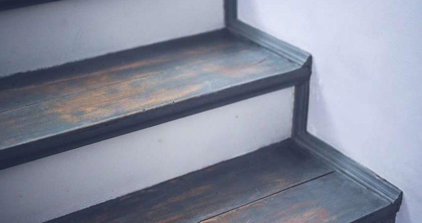 menuisier-qualité-escalier-rampe-belgique